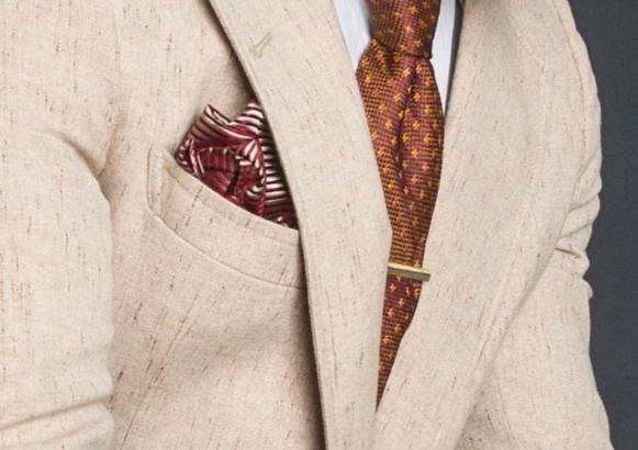 Pochette e cravatta coordinate